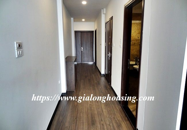 Lake view apartment for rent in 31 Xuan Dieu 9