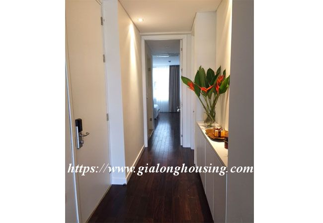 Lake view apartment in Quang An for rent 1
