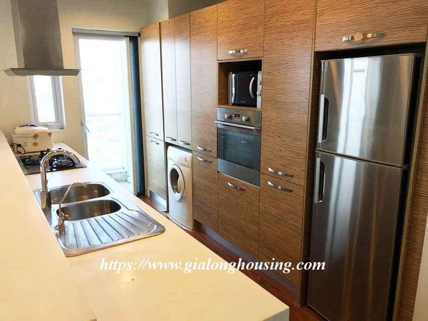 Lake view high floor apartment in Golden Westlake 12