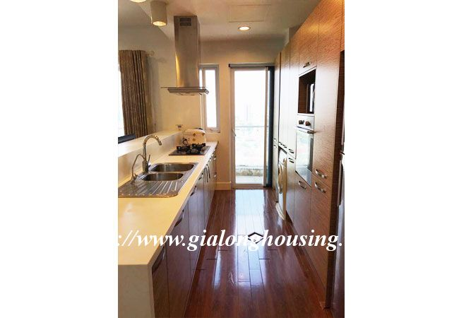 Lake view high floor apartment in Golden Westlake 13