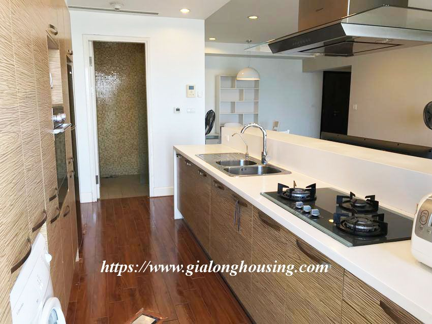 Lake view high floor apartment in Golden Westlake 7