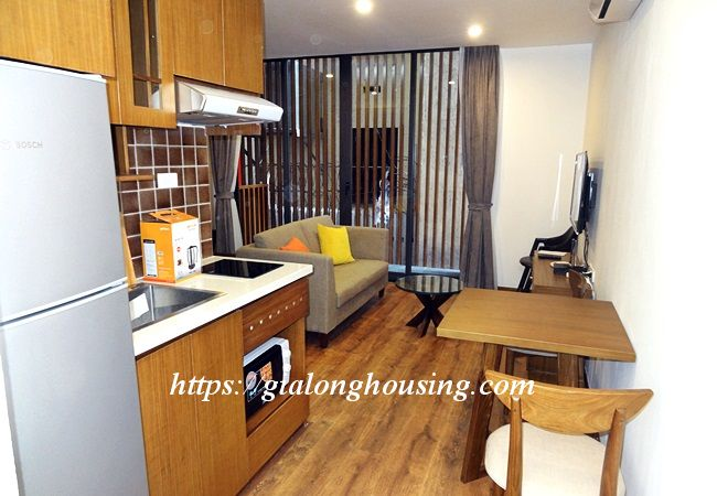Studio apartment with bathtub in Tay Ho street 2