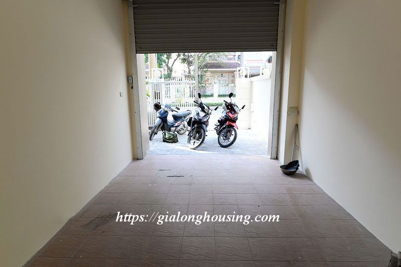 Unfurnished villa in T block Ciputra 18