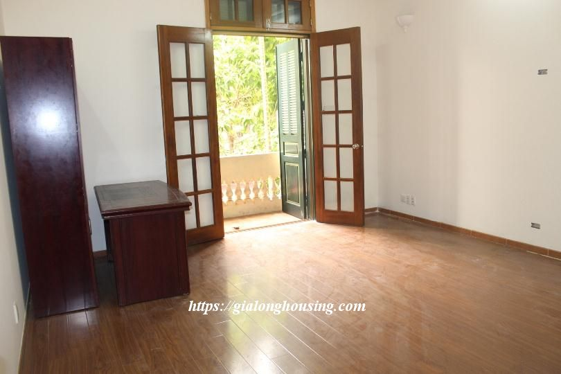 Unfurnished house in Ton Duc Thang, suitable for house/office/kindergarten 10