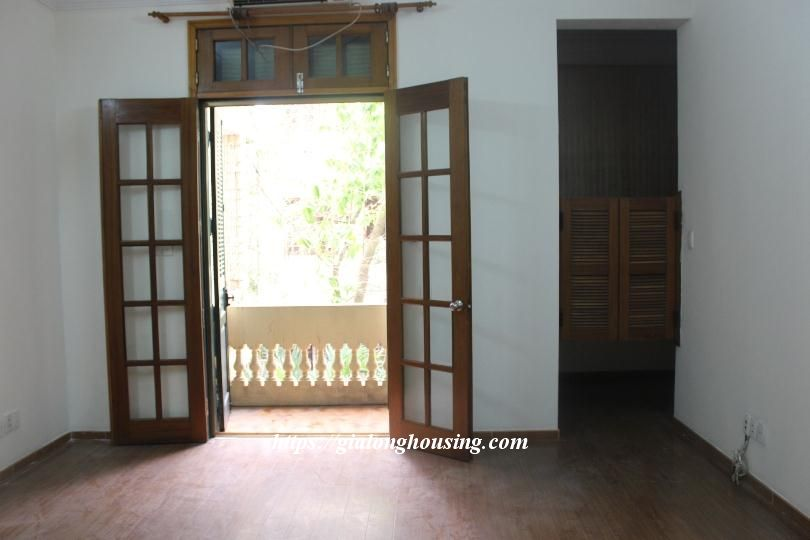 Unfurnished house in Ton Duc Thang, suitable for house/office/kindergarten 11