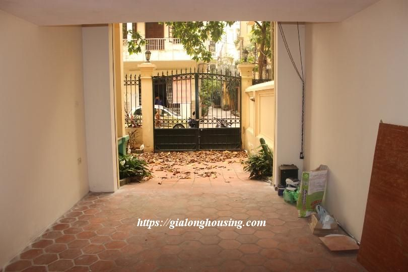 Unfurnished house in Ton Duc Thang, suitable for house/office/kindergarten 6