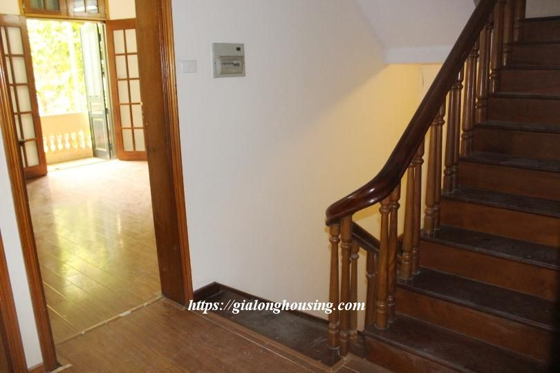 Unfurnished house in Ton Duc Thang, suitable for house/office/kindergarten 9