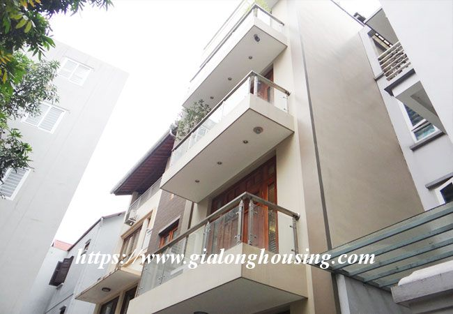 Wonderful modern house for rent in Dao Tan Ba Dinh