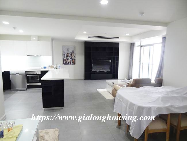 Brand new 3 bedroom apartment for rent in Watermark building 4