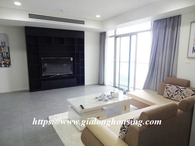 Brand new 3 bedroom apartment for rent in Watermark building 5