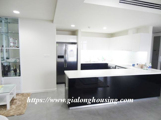 Brand new 3 bedroom apartment for rent in Watermark building 8
