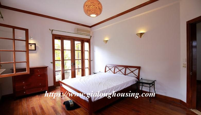 Gorgeous villa in Ton Duc Thang, Ba Dinh for rent 16