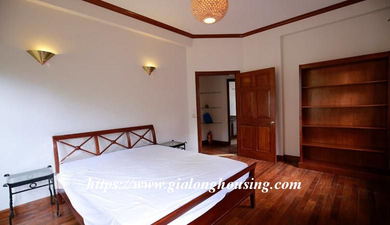 Gorgeous villa in Ton Duc Thang, Ba Dinh for rent 17