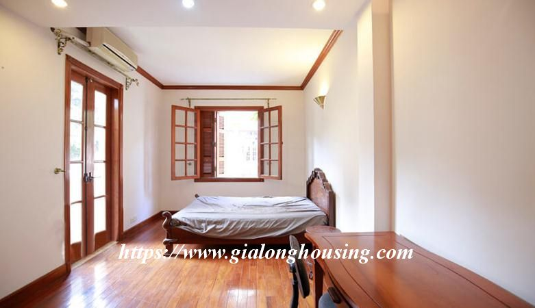Gorgeous villa in Ton Duc Thang, Ba Dinh for rent 18
