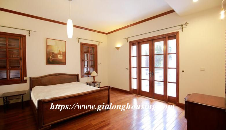 Gorgeous villa in Ton Duc Thang, Ba Dinh for rent 6