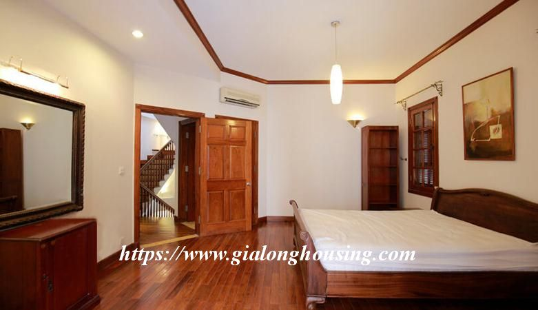 Gorgeous villa in Ton Duc Thang, Ba Dinh for rent 8