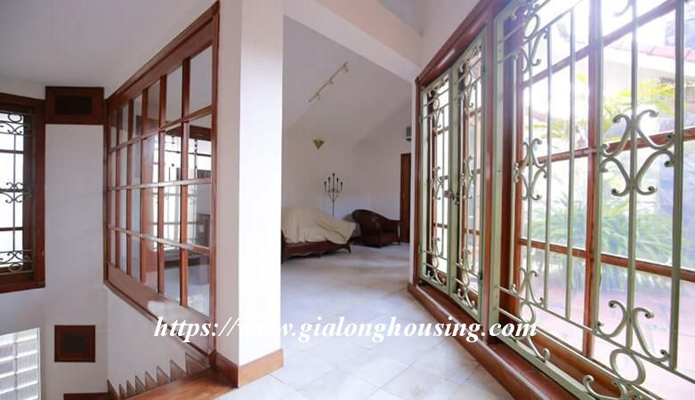 Gorgeous villa in Ton Duc Thang, Ba Dinh for rent 1