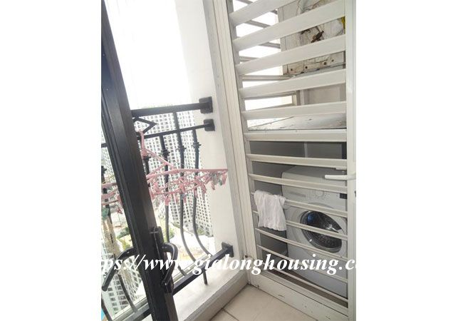 Totally renovated apartment in high floor of R1 building 10