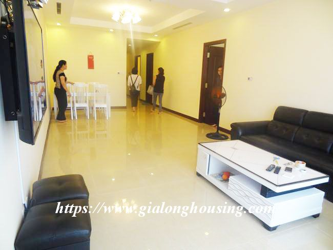 Big apartment in R5 low floor for rent immediately 14