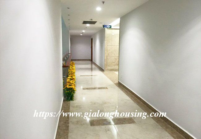 3 bedroom new apartment in R6 building, Royal City 8