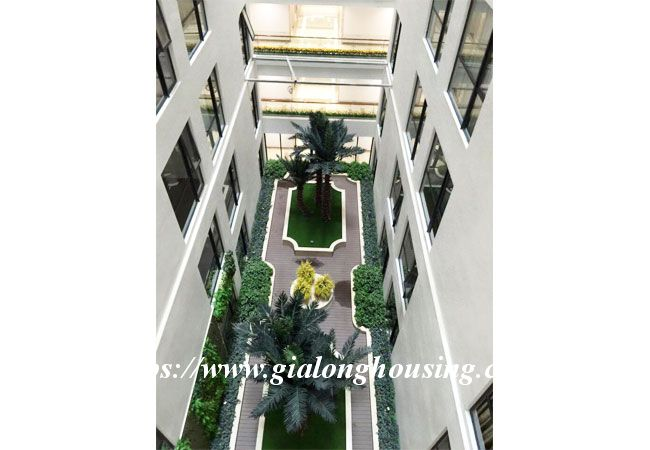 3 bedroom new apartment in R6 building, Royal City 9