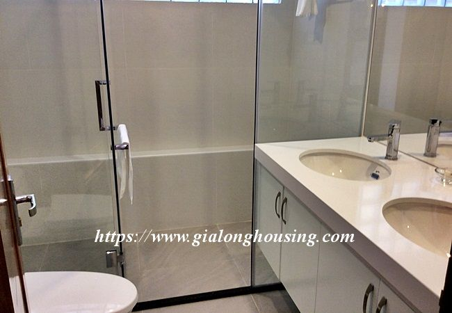 Beautiful large apartment for rent in Tay Ho street 11