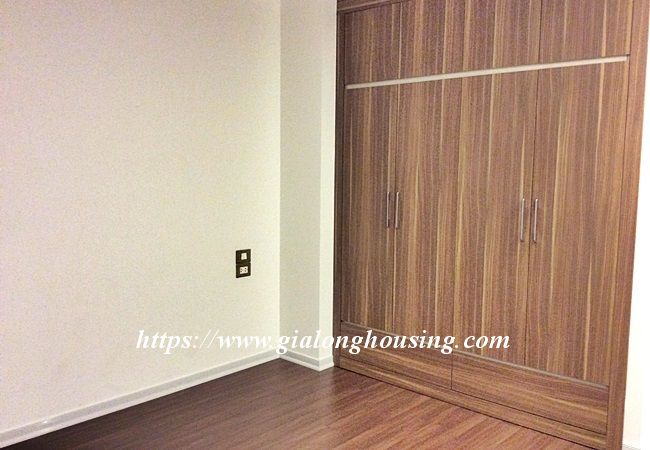 Beautiful large apartment for rent in Tay Ho street 13