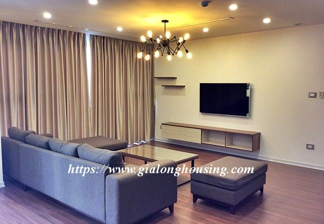 Beautiful large apartment for rent in Tay Ho street 3