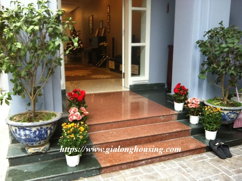 Fully furnished villa in C block for rent 2