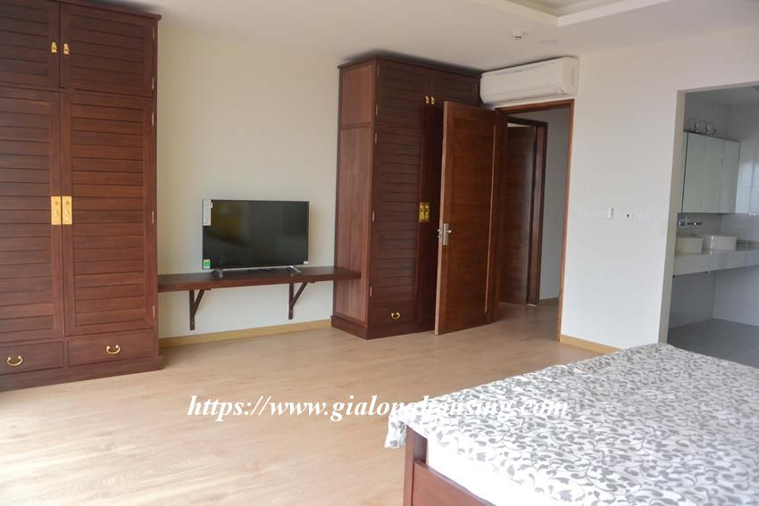 3 bedroom big apartment in To Ngoc Van for rent 13