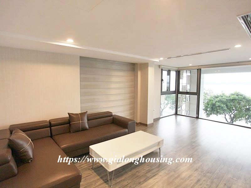 Lake front large apartment for rent in Tay Ho 1