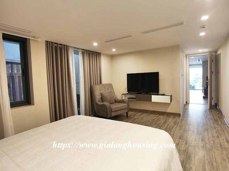 Lake front large apartment for rent in Tay Ho 11