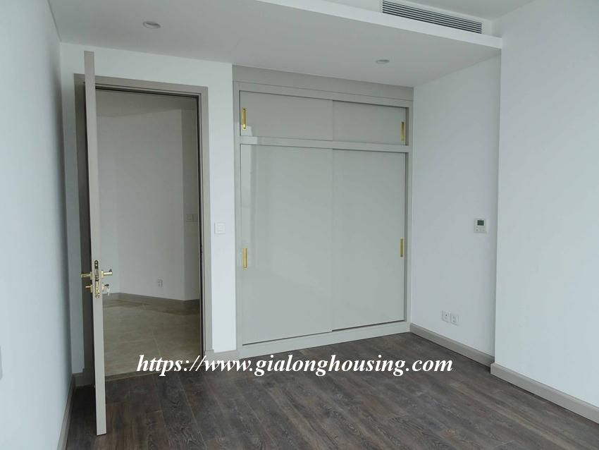 Sun Grand City 69B Thuy Khue : unfurnished apartment for rent 6