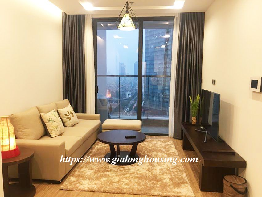 Vinhomes Metropolis brand new one bedroom apartment for rent 3