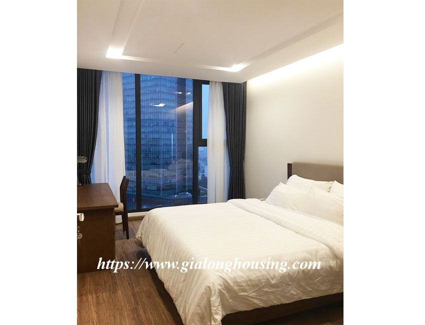 Vinhomes Metropolis brand new one bedroom apartment for rent 8