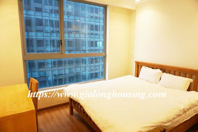 2 bedroom apartment in 20th floor of Vinhomes Nguyen Chi Thanh 10