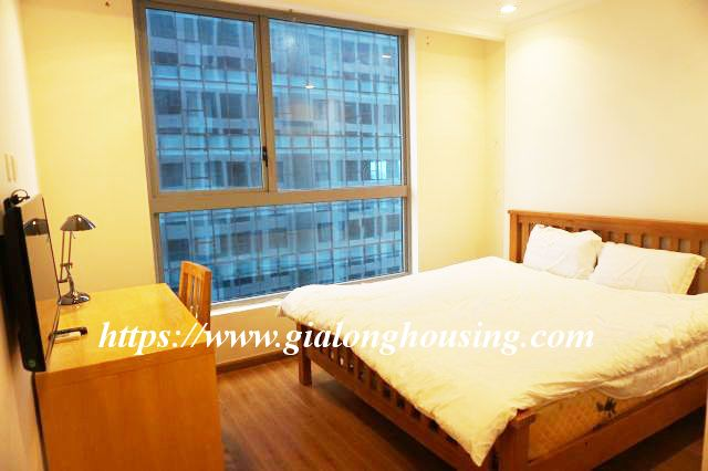 2 bedroom apartment in 20th floor of Vinhomes Nguyen Chi Thanh 9