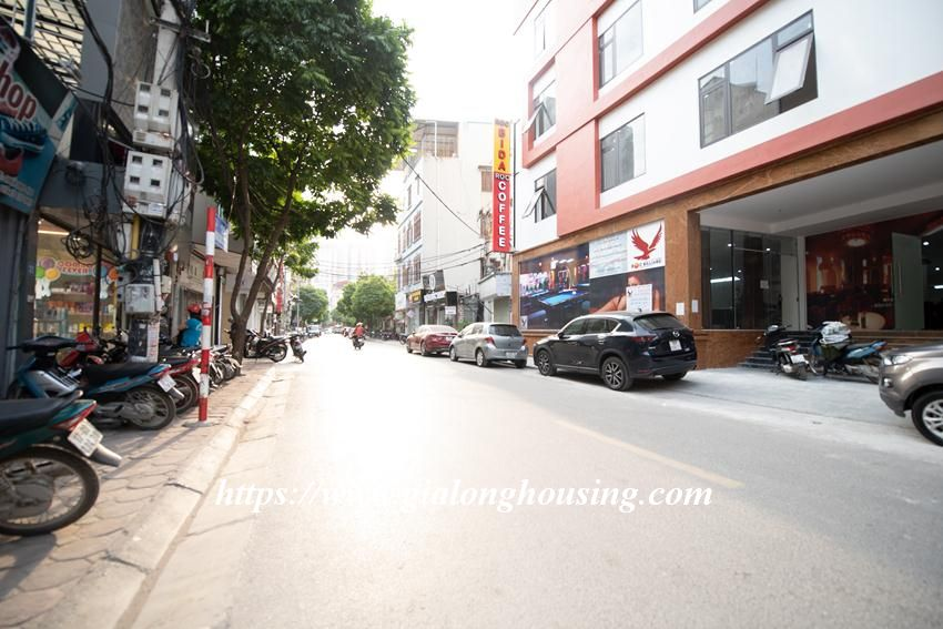 Brand new serviced apartment in Tran Quoc Vuong for rent 1