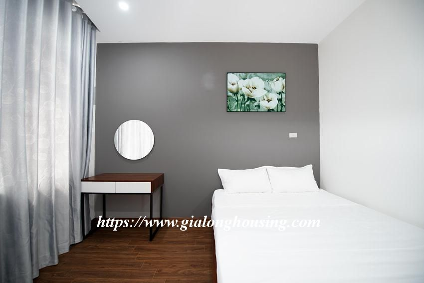 Brand new serviced apartment in Tran Quoc Vuong for rent 6