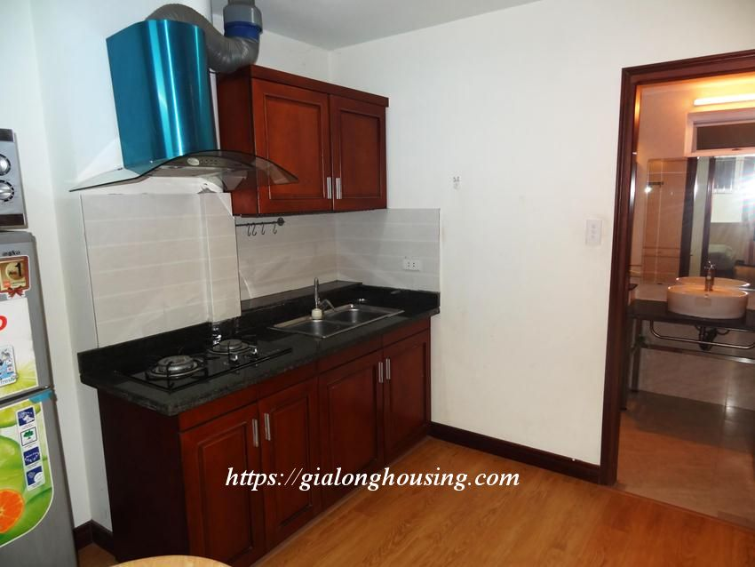 Hoang Cau fully furnished apartment for rent 2