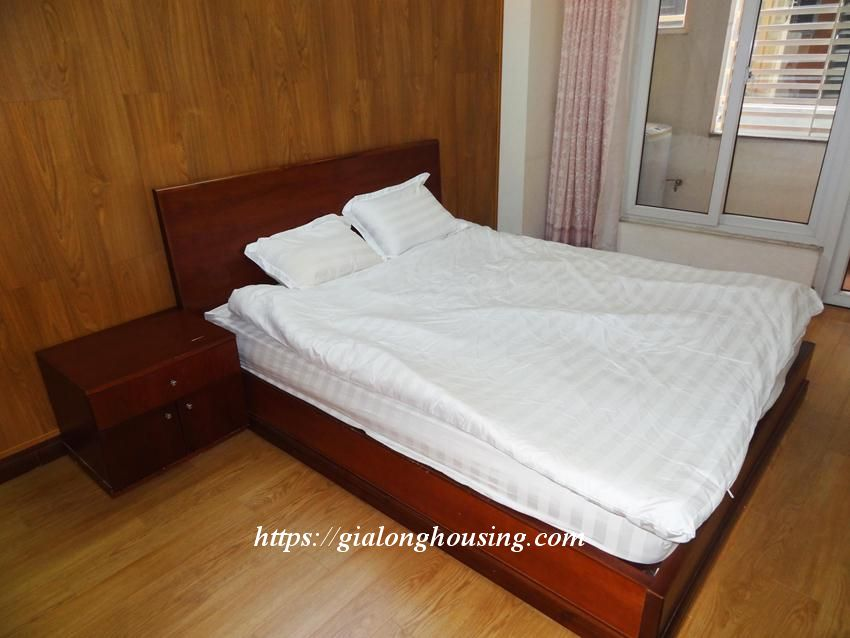 Hoang Cau fully furnished apartment for rent 5