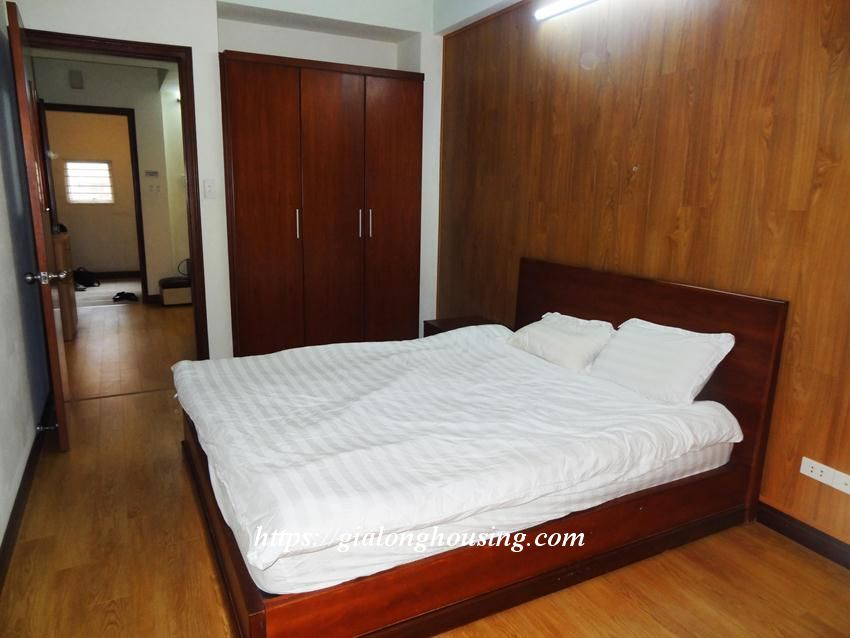 Hoang Cau fully furnished apartment for rent 6