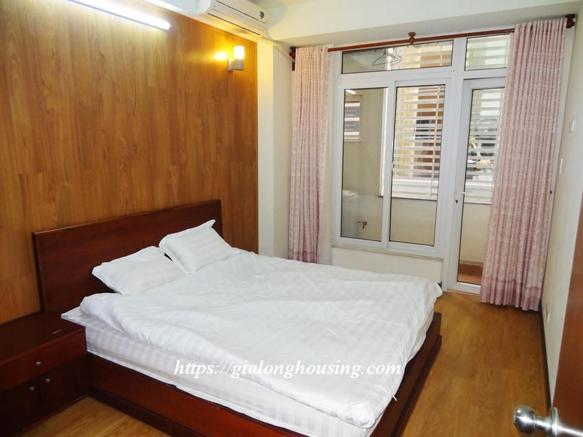 Hoang Cau fully furnished apartment for rent 7