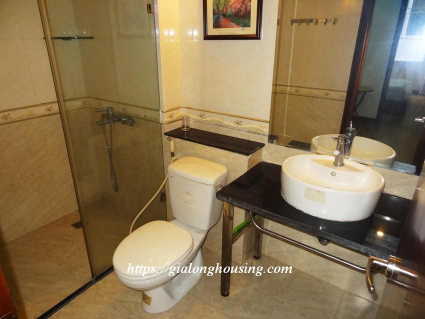 Hoang Cau fully furnished apartment for rent 9