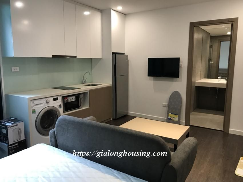 Studio apartment for rent in Tay Ho street: BRAND NEW 1