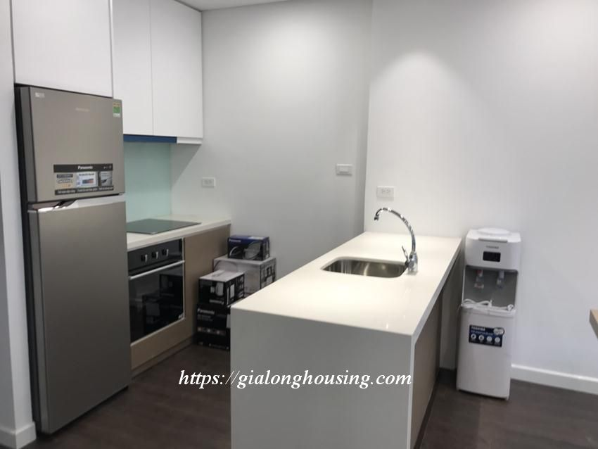 Studio apartment for rent in Tay Ho street: BRAND NEW 3