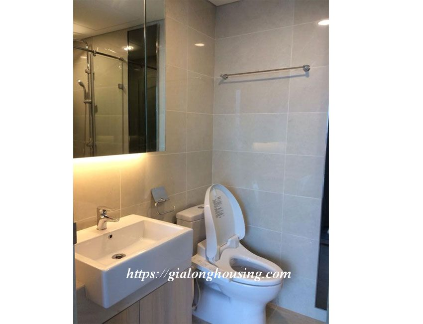 Nice apartment for rent in high floor, Le Trong Tan 16