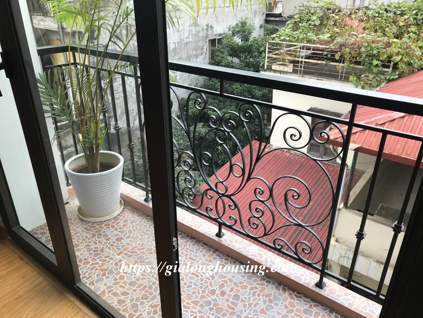 One bedroom apartment in De La Thanh for rent 8