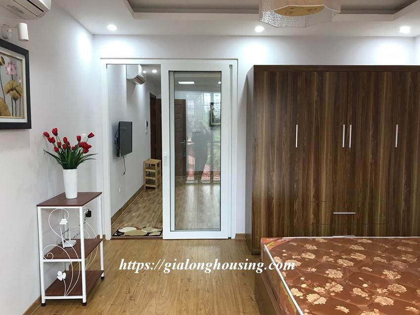 One bedroom apartment in De La Thanh for rent 9