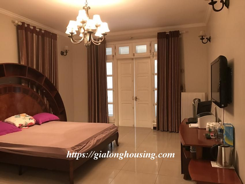 Fully furnished villa in T block Ciputra for rent today 12